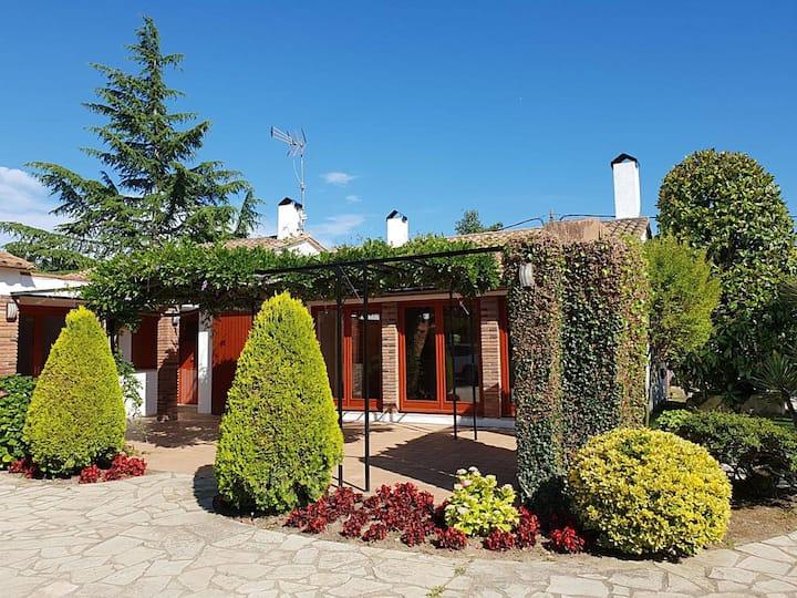 Villa in Caldes de Malavella with pool and wifi