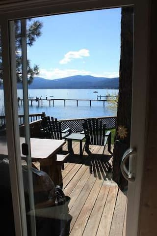 Goose House - Charming updated lake front pano views, firepit - Kings Beach
