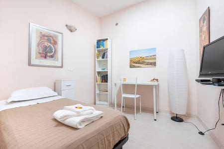 Single room at Pigneto - Roma - Casa