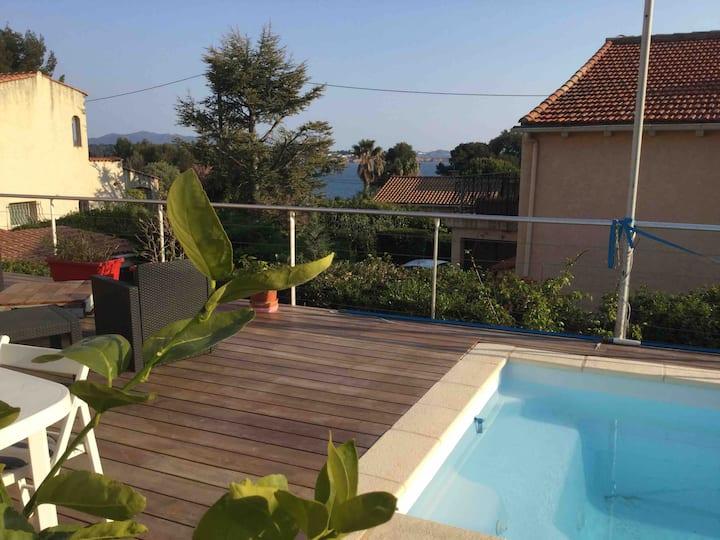 Bandol : maison vue mer avec piscine
