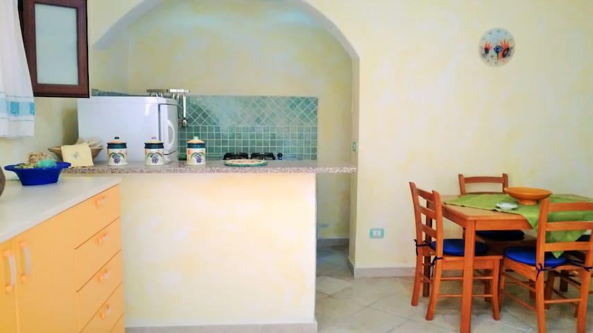 Grazioso appartamento Baia Vignola - Baia Vignola - Apartamento