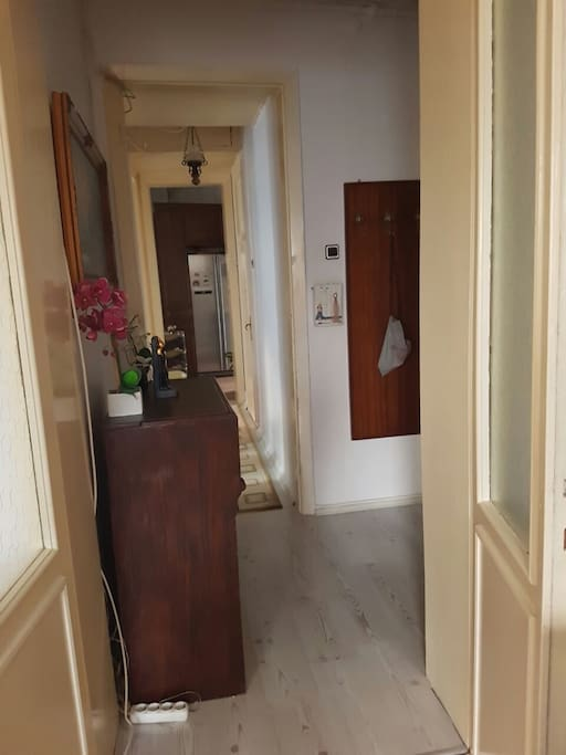 Double room in harbiye quite for sleeping apartments for Guest house harbiye