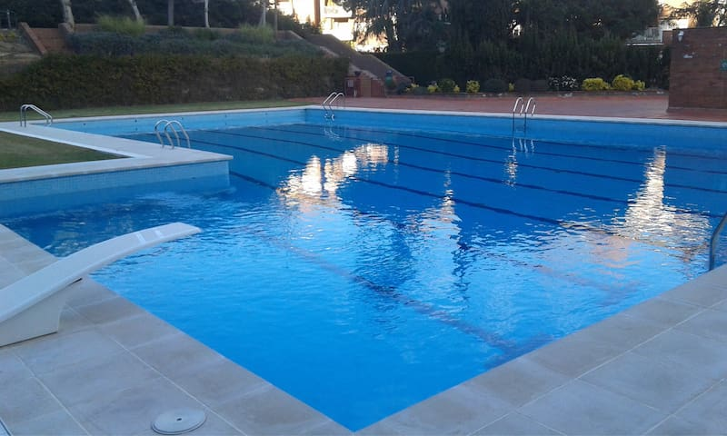 DESIGN APARTEMENT POOLS TENNIS Foot ALL CONFORTS - Sant Vicenç de Montalt - Huoneisto