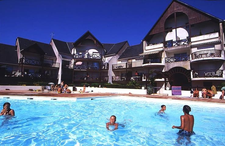 Joli T2 en résidence avec piscine. - Guérande - Huoneisto