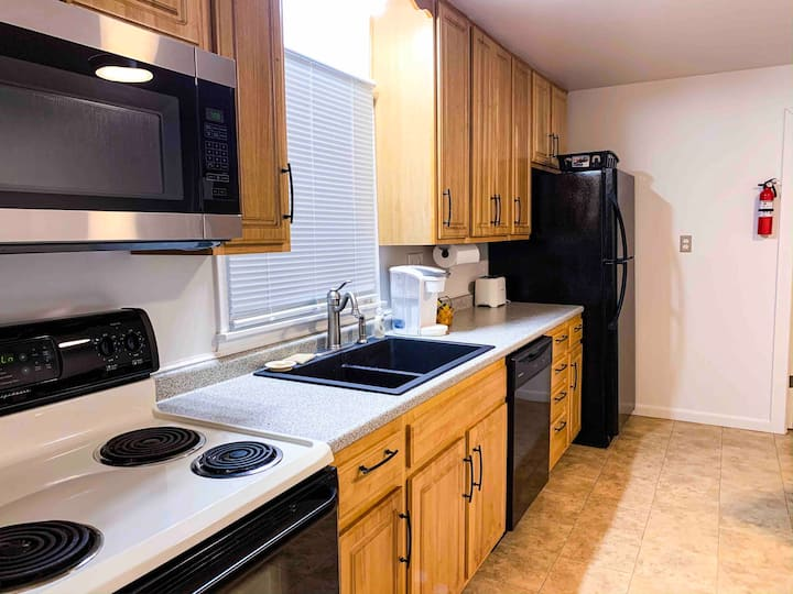 Birch Bungalow *near Grand Park and downtown*!