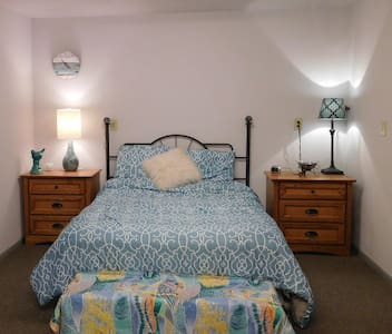 Pet & family friendly by the beach! - Port Townsend