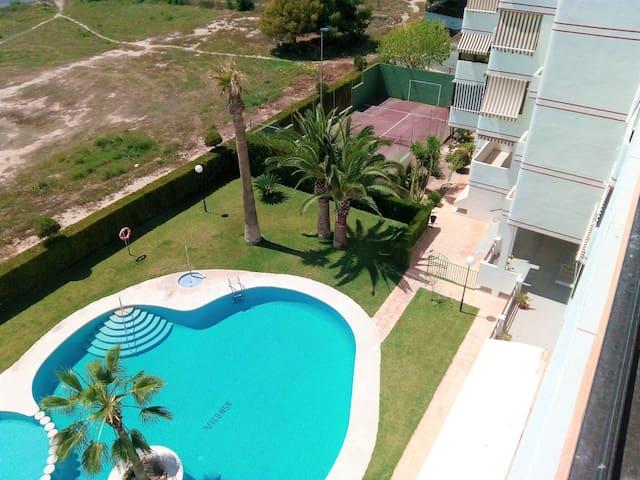 Apartamento con piscina y vistas - Villajoyosa