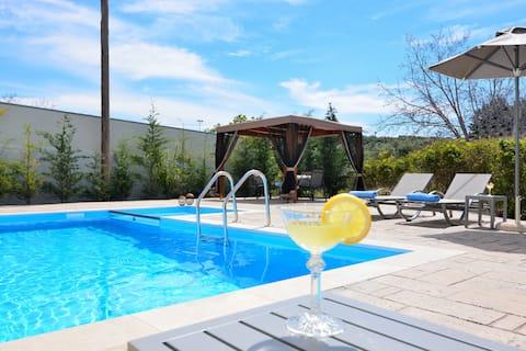 Elia Villa with Swimming Pool