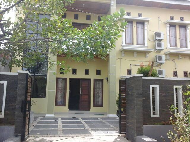 Rumah Sewa Sakinah Lolong Belanti Kamar#1 - Padang Utara - House