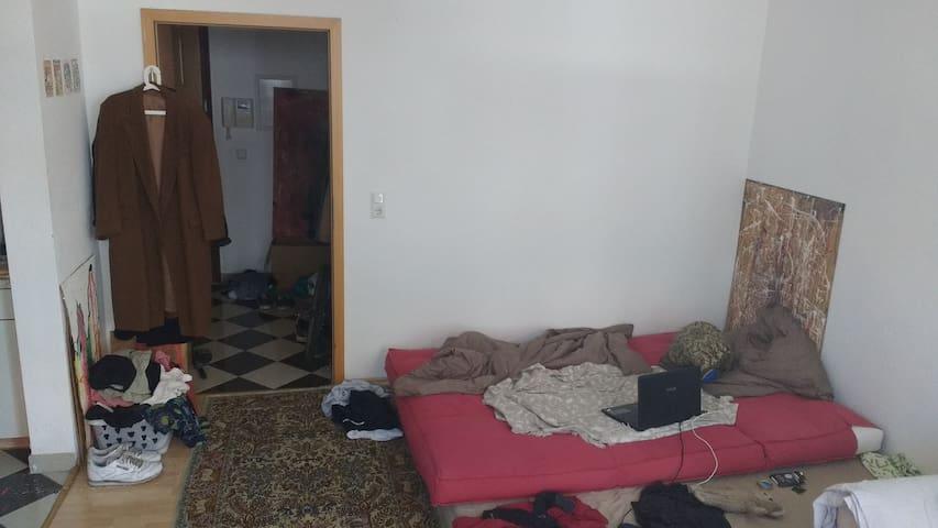 Wave Gothics WE- Wohnung für insgesamt 390 Euro
