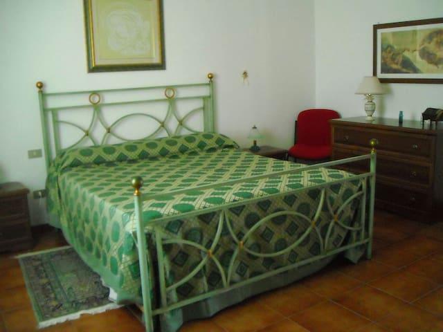 LUXURY ROOM 2 - B&B Villa Le Palme - Scalea - scalea - Bed & Breakfast