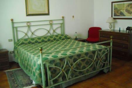 LUXURY ROOM 2 - B&B Villa Le Palme - Scalea - scalea