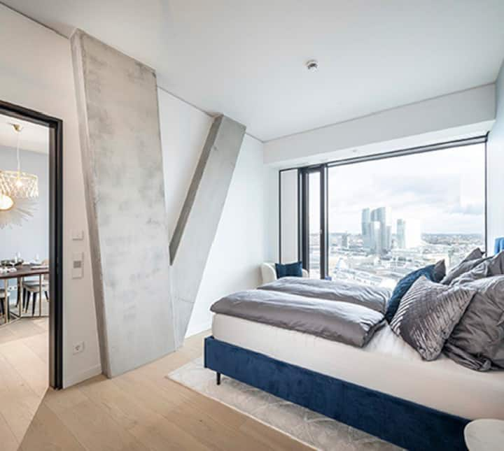 Luxury Apartment in the most impressive Skyscraper