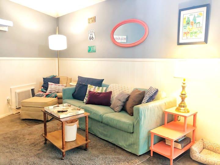 Sanitized!Vintage-Chic apartment on Mass! Pets OK!