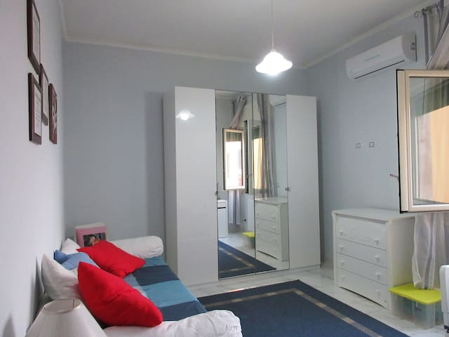 Rooms in enjoyable flat