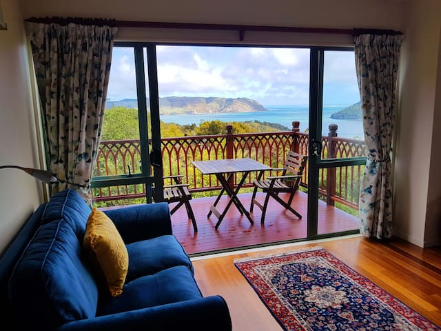 Quiet, scenic Huia bay guesthouse