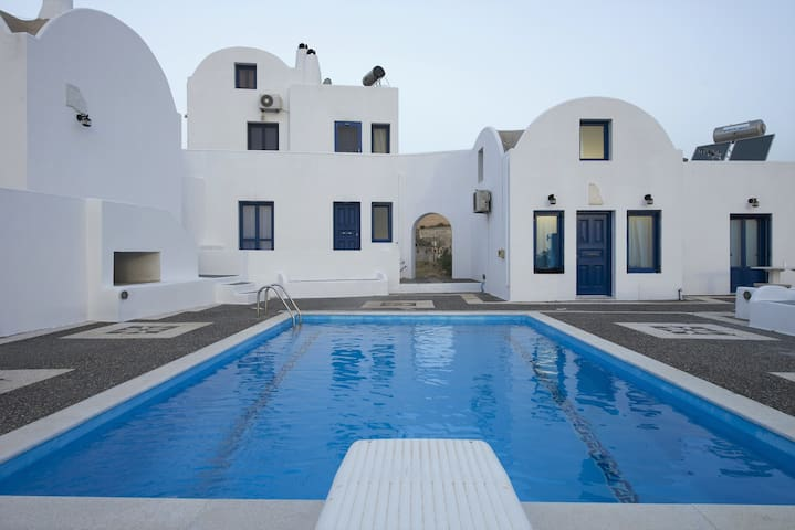 Santorini Traditional Suites CANAVA Suite - Vothonas - Apartament