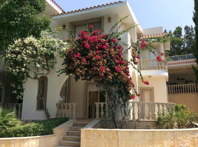 LUX Villa Lara, 4 bed, Coral Bay