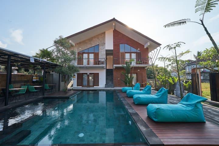 Unique Home in Ubud's Quiet Ricefield Environment