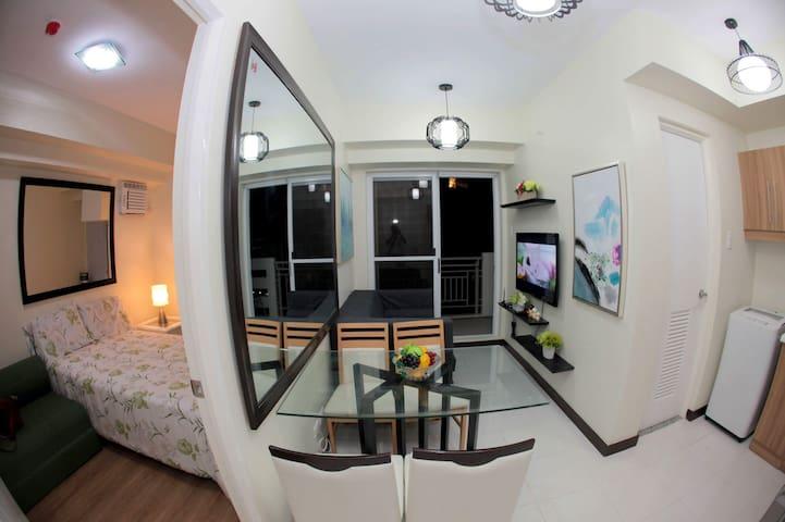 1 bedroom condo in QuezonCity close to major malls