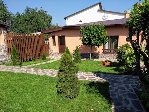 Coronensis -entire place  - House; garden