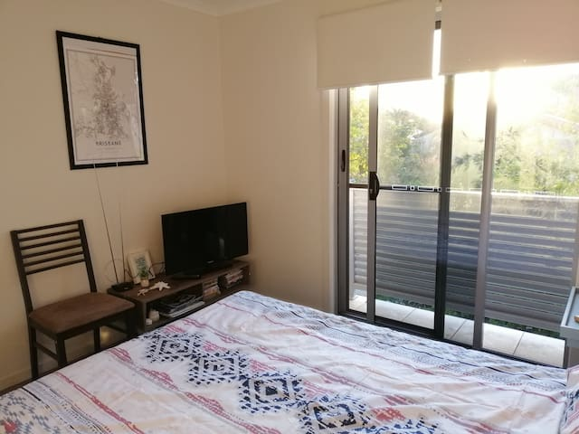 Private room in convenient location Chermside