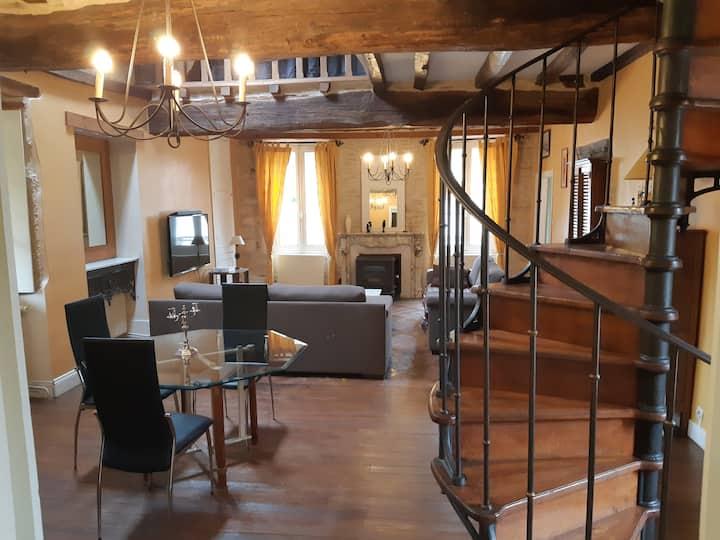 tipical house of burgundy