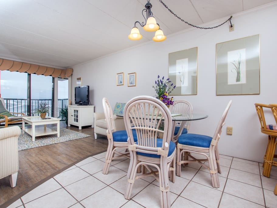 Summer Beach, 405 - Dining and Living Room Area