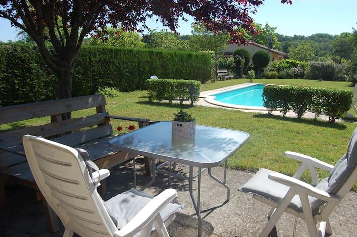Gezellig compleet huis met prive zwembad - Touzac - House