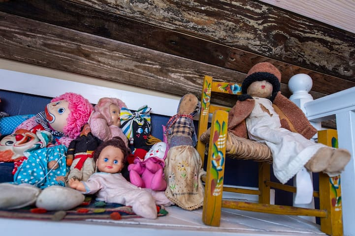 "A bit of eccentricity with ""creepy"" vintage doll and clown collection."