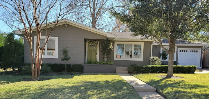 Green Door Hospitality-Brenham Bungalow