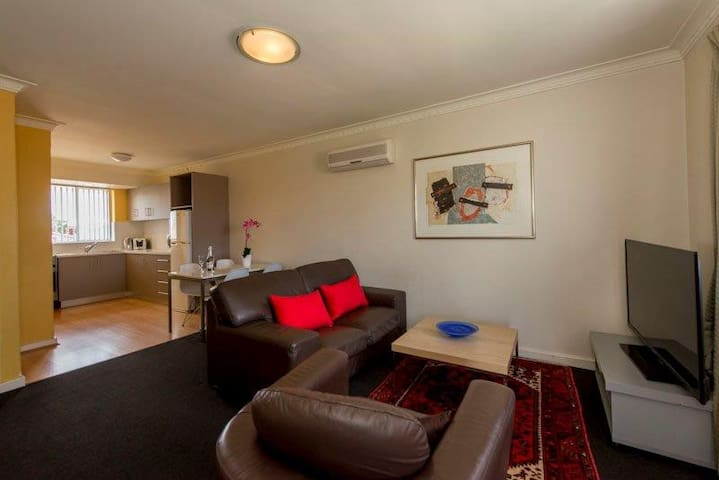 Mt Lawley 2 BR Affordable Luxury Minutes to CBD 5 - Inglewood - Apartment
