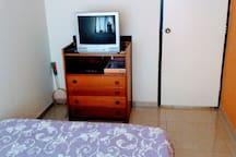 Mueble totalmente disponible para huéspedes, uso (ropa- documentos- objetos, etc).