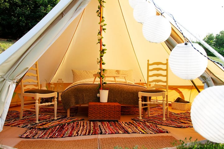 5m Luxury Bell Tent Close to Delamere Forest
