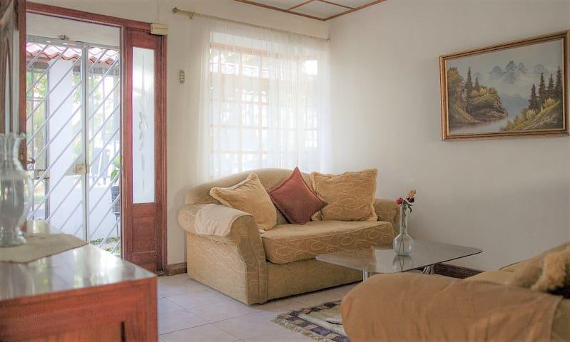 Disfrute y descanso (San José) Casa Sabana Sur