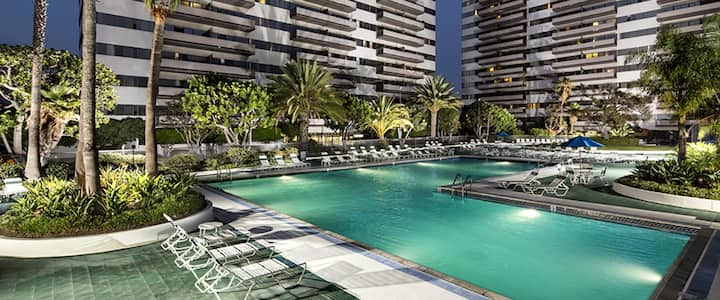 Luxury Apt on Boarder of Santa Monica / Westwood