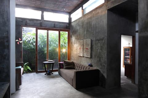 Homestay Madukismo - Bright Room