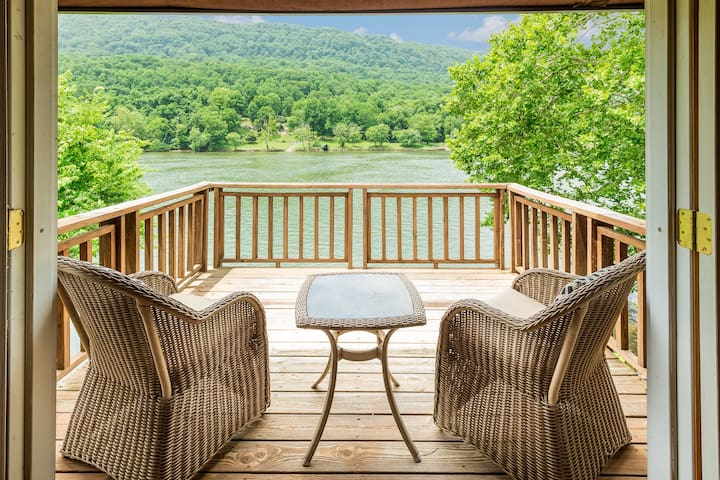 TN River Getaway~10 min to Downtown Chattanooga~Amazing Gorge Views!