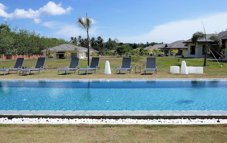 Pool 15mx3mx120cm high