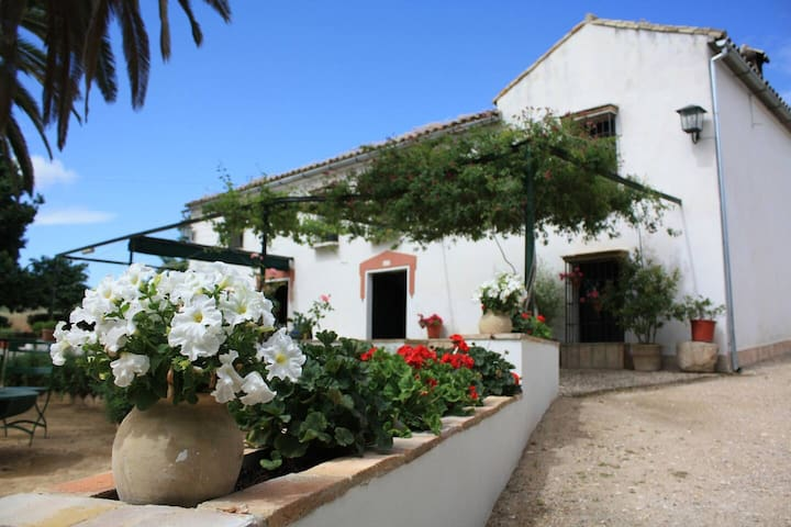 Villa with 8 bedrooms in Montilla, with private pool and WiFi