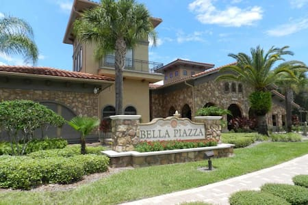 Bella Piazza 3/3 Condo property, fully furnished, with full kitchen, and all linens and towels. - DAVENPORT - Condominium