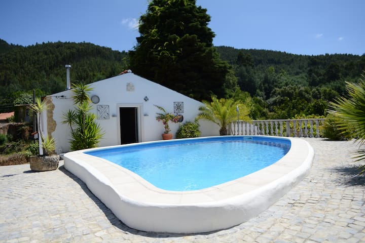 Gardener's Cottage and Pool