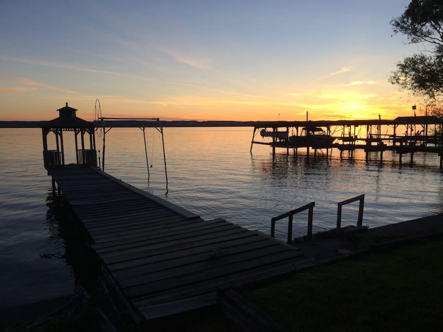 Lake house on seneca lake cottages for rent in romulus for Seneca lake ny cabins