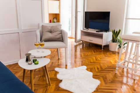 Studio Apartment Marivan Centar & Beach