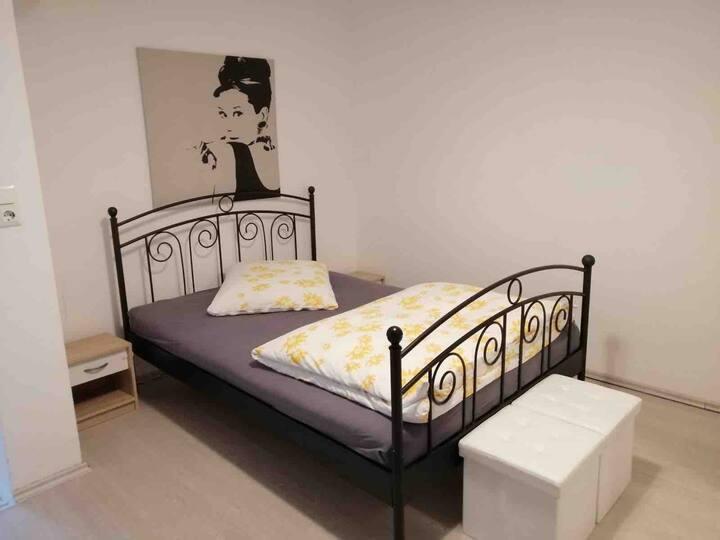 Schöne, ruhige,gut ausgestatete 1,5 Zimmerwohnung!