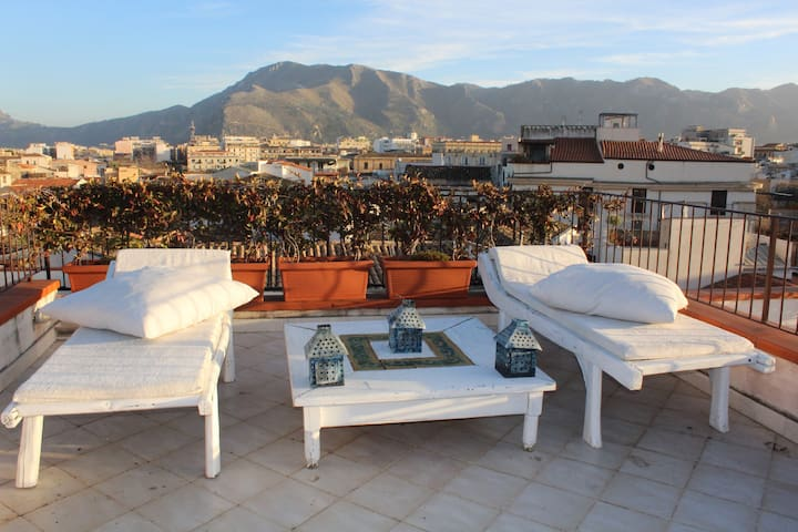 Sara Luxury Room beautiful Roof Terrace - Palermo - Apartment
