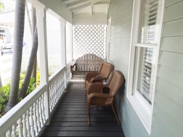 Private 2 Bedroom - NYAH Pres - Key West - Bed & Breakfast