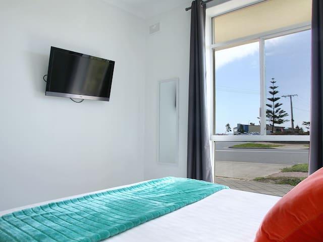 """Vista"" Seaview Sunset Apartment - West Beach - Wohnung"