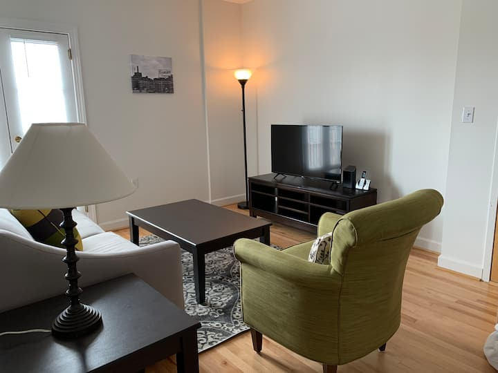 One bedroom apartment in historic Fells Point