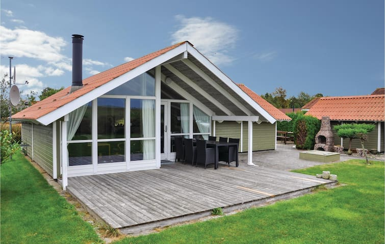 Holiday cottage with 3 bedrooms on 71m² in Middelfart